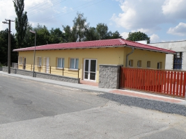 Pošta a zdravotní středisko - Tuchoměřice